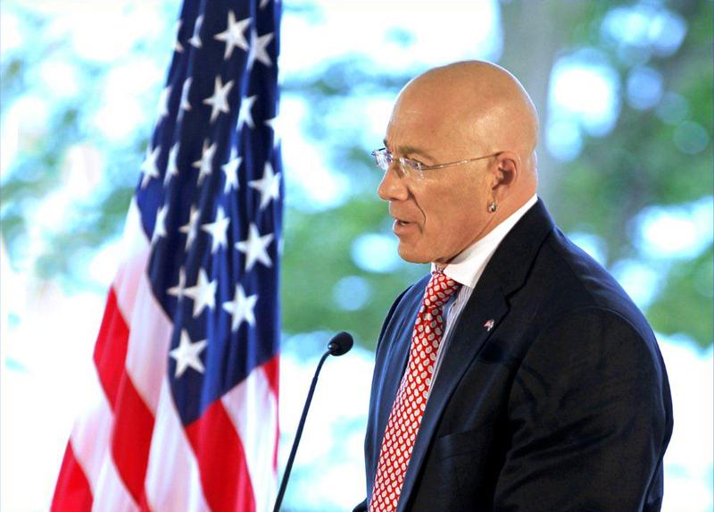 Bruce Oreck on ollut Yhdysvaltain Suomen-suurlähettiläs vuodesta 2009 lähtien.